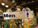 アメリカのホームセンターで売ってるステッカー(男性)