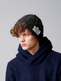 <img class='new_mark_img1' src='//img.shop-pro.jp/img/new/icons2.gif' style='border:none;display:inline;margin:0px;padding:0px;width:auto;' />TROVE [トローヴ] KASI KNIT CAP<ハンドメイド ニットキャップ> #チャコール