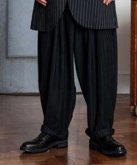 glamb [グラム] GB0118 / MN14 : Loose pants<プリーツワイドテーパードパンツ> ブラック