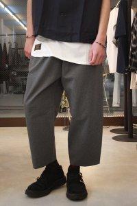 N.HOOLYWOOD [エヌハリウッド] COLLECTION LINE LOOSE-FITTING PANTS <コレクションライン ワイドテーパードパンツ> グレー