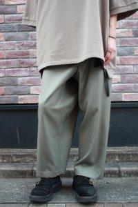 my beautiful landlet [マイビューティフルランドレット] wool twill back warp pants <ウールツイルバックラップパンツ> グレー