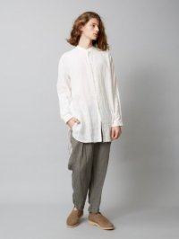 <img class='new_mark_img1' src='https://img.shop-pro.jp/img/new/icons2.gif' style='border:none;display:inline;margin:0px;padding:0px;width:auto;' />TROVE [トローヴ] MAALARI LONG SHIRT <バンドカラーロングシャツ> ホワイト