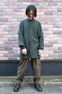 <img class='new_mark_img1' src='https://img.shop-pro.jp/img/new/icons2.gif' style='border:none;display:inline;margin:0px;padding:0px;width:auto;' />TROVE [トローヴ] UNI WIDE WOOL SHIRT(NEW SPEC)  <ワイドシャツコート> 2019AW 57SHT03 ダークグリーン