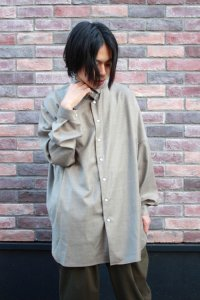 <img class='new_mark_img1' src='https://img.shop-pro.jp/img/new/icons2.gif' style='border:none;display:inline;margin:0px;padding:0px;width:auto;' />TROVE [トローヴ] UNI WIDE WOOL SHIRT(NEW SPEC)  <ワイドシャツコート> 2019AW 57SHT03 グレーベージュ