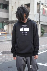 <img class='new_mark_img1' src='https://img.shop-pro.jp/img/new/icons2.gif' style='border:none;display:inline;margin:0px;padding:0px;width:auto;' />N.HOOLYWOOD [エヌハリウッド] 2020AW COLLECTION INVITATION HOODIE <2020秋冬コレクション インビテーションパーカー> ブラック