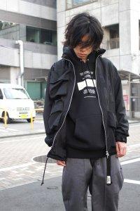 <img class='new_mark_img1' src='https://img.shop-pro.jp/img/new/icons2.gif' style='border:none;display:inline;margin:0px;padding:0px;width:auto;' />【ラスト1点】Ground Y Yohji Yamamoto [グラウンドワイ ヨウジヤマモト] Gaberdine Hidden Hood Blouson <ミリタリージャケット> ブラック