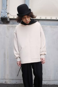 <img class='new_mark_img1' src='https://img.shop-pro.jp/img/new/icons2.gif' style='border:none;display:inline;margin:0px;padding:0px;width:auto;' />CULLNI [クルニ] Asymmetry Pocket Hoodie Parker <アシンメトリーポケットフードパーカー 2021春夏> 21-SS-007 ベージュ