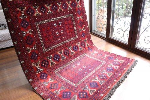 アフガン絨毯 艶とアンティーク調の一押しクンドゥズ 約192x153cm