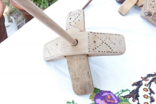 手紡ぎの古道具【キルマン】スピンドル no.10