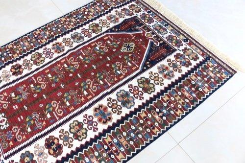コレクション <br>緻密な織りのキリム 老舗工房による天然染料 約149x111cm