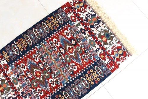 コレクション <br>緻密な織りのキリム 老舗工房による天然染料 約93x63cm