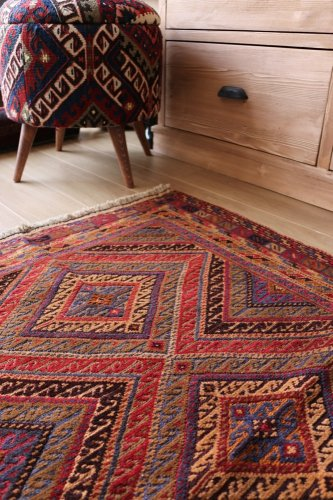 ムシュワニ スマック織とパイル織の混合キリム 約119x84cm