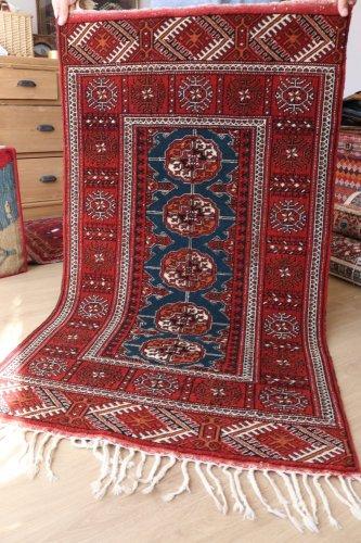 綺麗色 トルクメン絨毯 約140x80cm