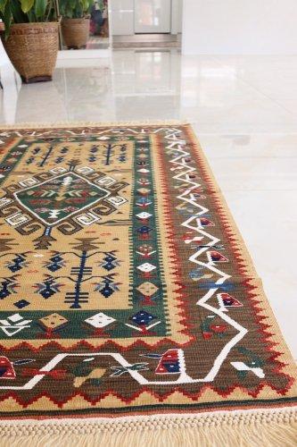 コレクション 緻密な織りのキリム 老舗工房による天然染料 約138x95cm