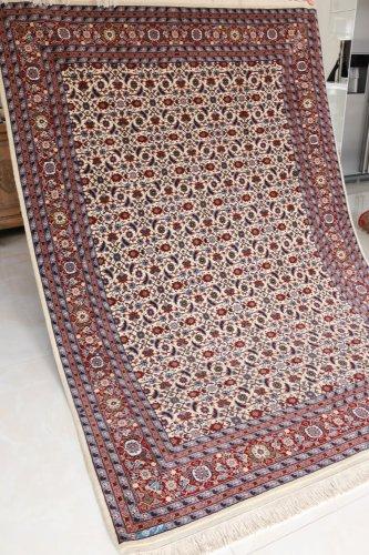 (割引対象外)最高級ヘレケ絨毯  シュメル製 初めてのご紹介FERHAN  約256x178cm