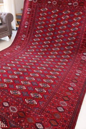 紫の効いたブハラ絨毯  約323x210cm  是非この秋から♪
