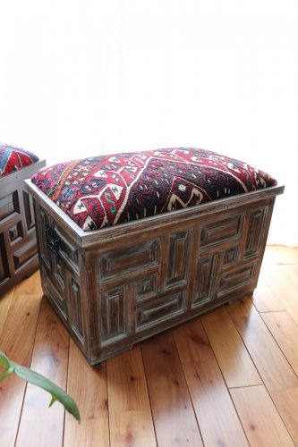 トルコ伝統キュンデキャーリ細工の木箱スツール #23