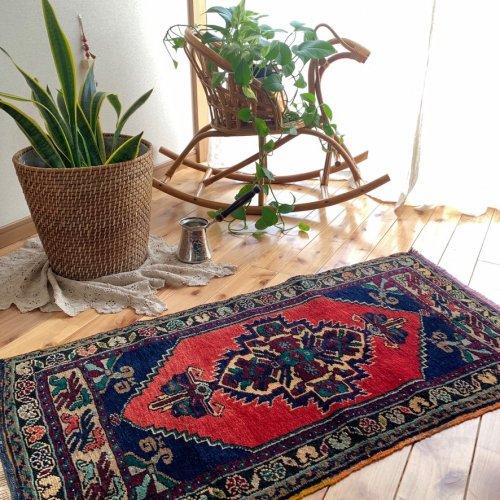 アウトレット トルコ絨毯 可愛らしいヤストゥック ニーデ  106x55