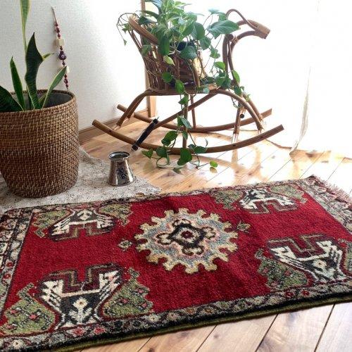 トルコ絨毯 ふかふかエレガントな一枚 106x58