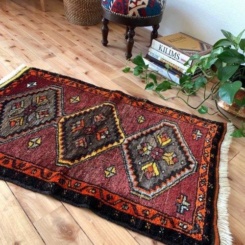 トルコ絨毯 心地よい肌触りのカルス 95x59