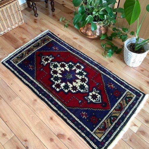 綺麗なヤストゥック トルコ絨毯 110x55