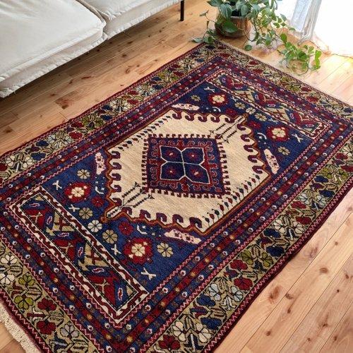 トルコ絨毯の元祖 ギョルデス  178x121cm