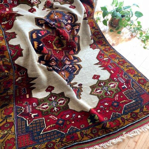 オールド絨毯 エレガントな一枚 206x145