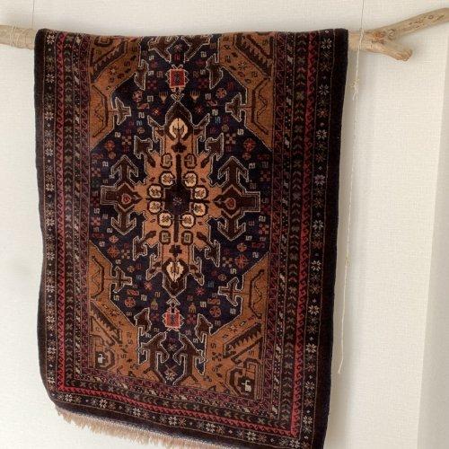 オールド絨毯 可愛いバルーチ 142x99
