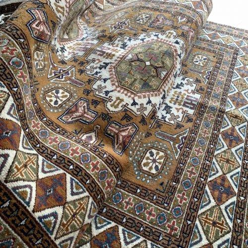 カイセリ絨毯 Lutfi Ozden 188x124