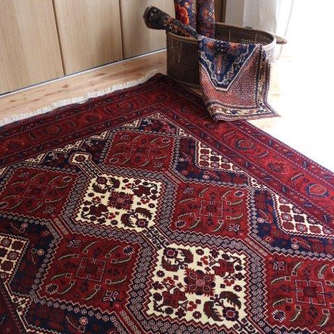 アフガン絨毯 艶とデザインが魅力のビリジック 206x154