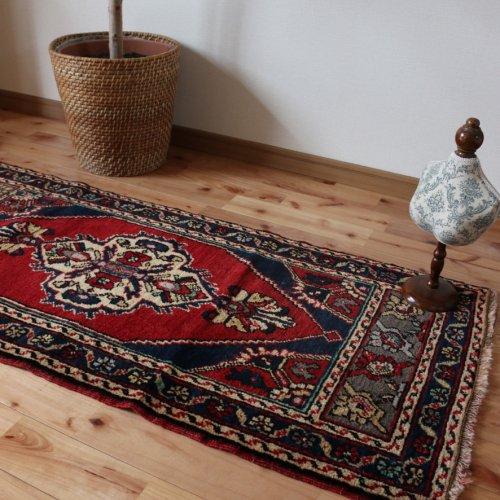 トルコ絨毯 ヤストゥック ニーデ 132x59