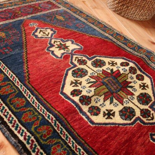 トルコ絨毯 ヤストゥック タシュプナル 113x56