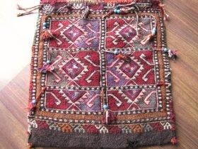 トルコ南東部 ヘイベ 素晴らしいスマック織りやタッセル