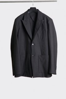 【20%OFF】[ー]Minus  TAILORED JACKET(BLACK)<img class='new_mark_img2' src='https://img.shop-pro.jp/img/new/icons20.gif' style='border:none;display:inline;margin:0px;padding:0px;width:auto;' />