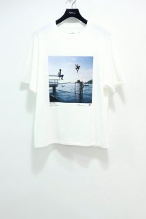 JOHN MASON SMITH × MIKE O'MEALLY  SHORT SLEEVE T-SHIRT(LOCALS SPINING)<img class='new_mark_img2' src='https://img.shop-pro.jp/img/new/icons15.gif' style='border:none;display:inline;margin:0px;padding:0px;width:auto;' />