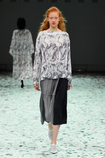tiit tokyo  marble gather blouse<img class='new_mark_img2' src='https://img.shop-pro.jp/img/new/icons15.gif' style='border:none;display:inline;margin:0px;padding:0px;width:auto;' />