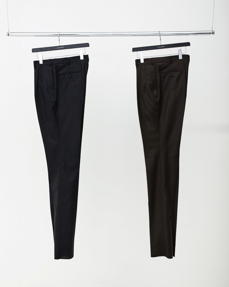 LITTLEBIG  Shiny Tucked Trousers<img class='new_mark_img2' src='https://img.shop-pro.jp/img/new/icons15.gif' style='border:none;display:inline;margin:0px;padding:0px;width:auto;' />