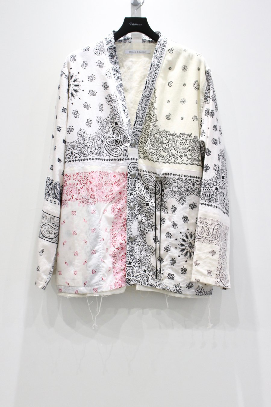 Children of the discordance  BANDANA PATCHWORK CONCHO JACKET(WHITE)<img class='new_mark_img2' src='https://img.shop-pro.jp/img/new/icons15.gif' style='border:none;display:inline;margin:0px;padding:0px;width:auto;' />