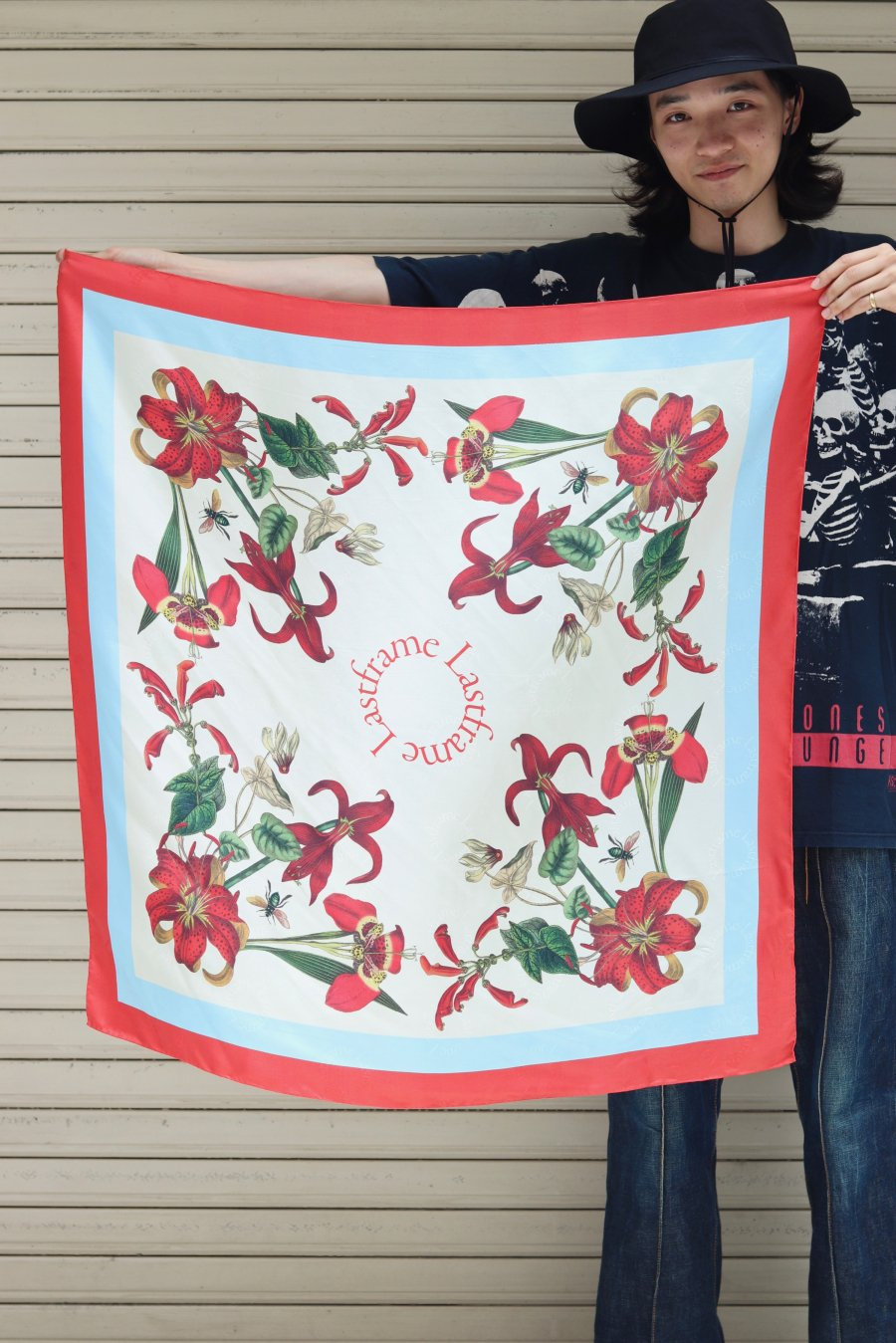 LASTFRAME  CHAOS SCARF(RED x AQUA)<img class='new_mark_img2' src='https://img.shop-pro.jp/img/new/icons15.gif' style='border:none;display:inline;margin:0px;padding:0px;width:auto;' />