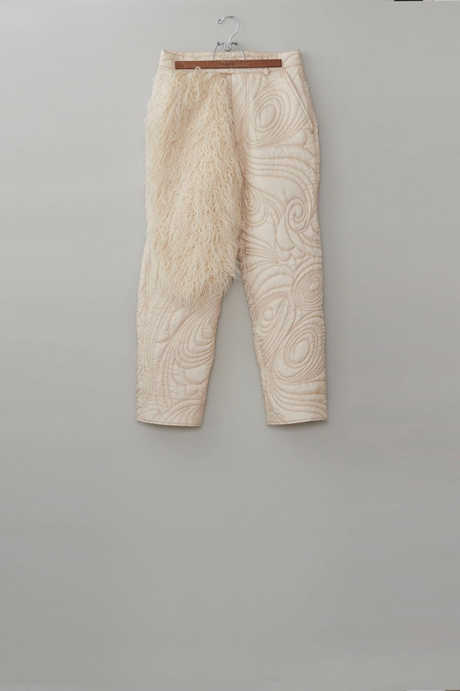 MASU  PSYCHEDELIC QUILTING TROUSERS(CHAMPAGNE)<img class='new_mark_img2' src='https://img.shop-pro.jp/img/new/icons15.gif' style='border:none;display:inline;margin:0px;padding:0px;width:auto;' />
