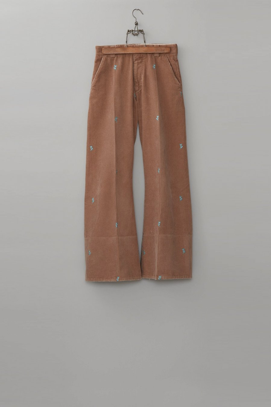 MASU  SEAMLESS BELL BOTTOM TROUSERS(BEIGE)<img class='new_mark_img2' src='https://img.shop-pro.jp/img/new/icons15.gif' style='border:none;display:inline;margin:0px;padding:0px;width:auto;' />