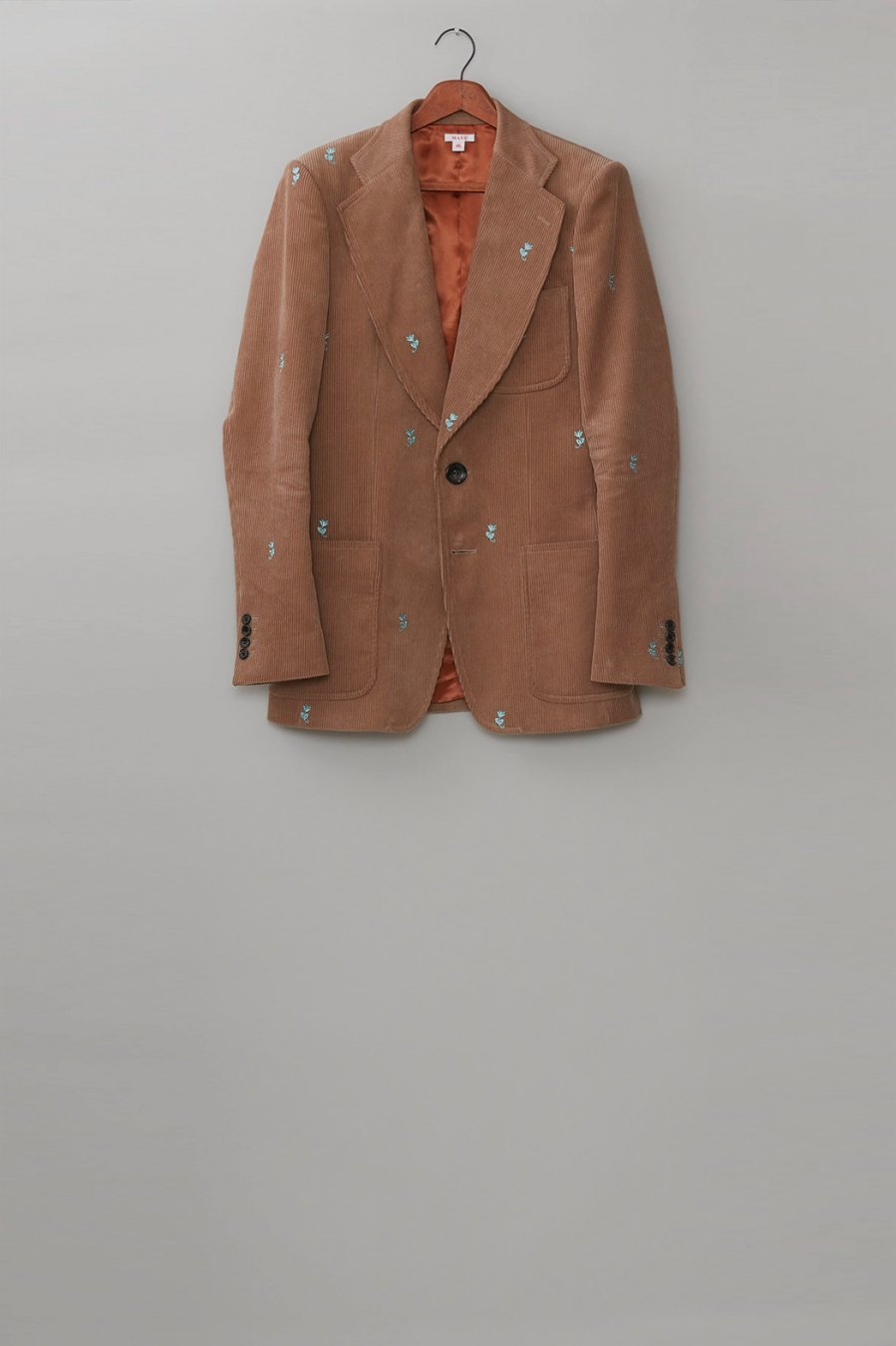 MASU  WIDE LAPEL TAILORED JACKET(BEIGE)<img class='new_mark_img2' src='https://img.shop-pro.jp/img/new/icons15.gif' style='border:none;display:inline;margin:0px;padding:0px;width:auto;' />