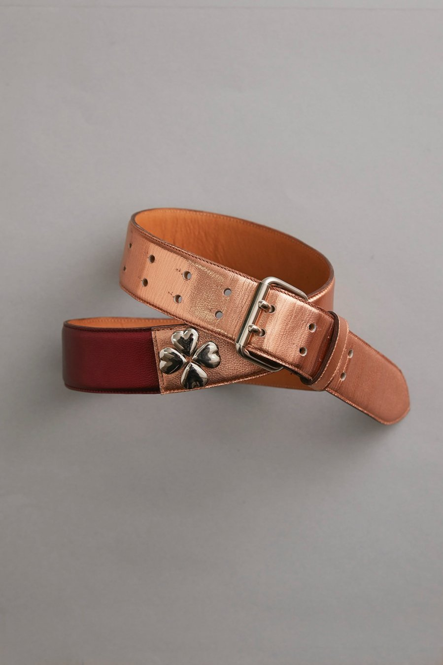 MASU  CLOVER STUDS BELT(WINE & CHAMPAGNE)<img class='new_mark_img2' src='https://img.shop-pro.jp/img/new/icons15.gif' style='border:none;display:inline;margin:0px;padding:0px;width:auto;' />