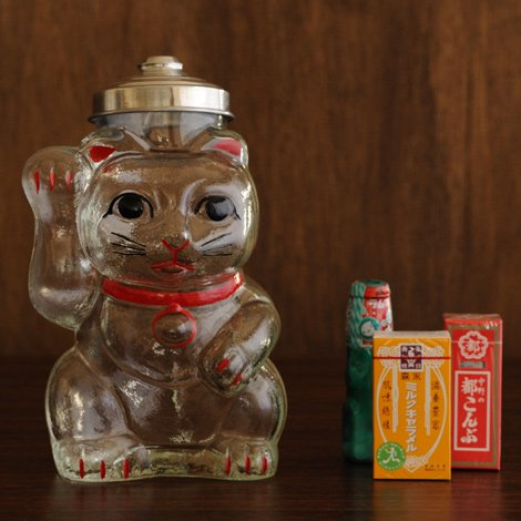 招き猫 菓子びん