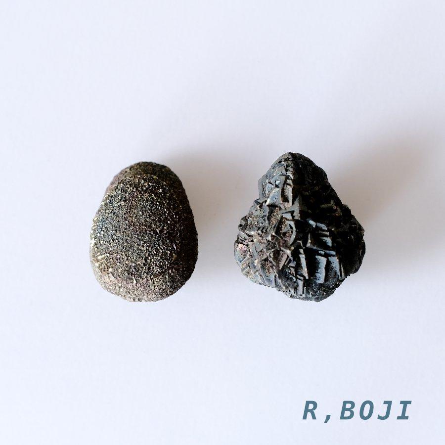 <img class='new_mark_img1' src='https://img.shop-pro.jp/img/new/icons8.gif' style='border:none;display:inline;margin:0px;padding:0px;width:auto;' />レインボー・ボージャイストーン・ペア Mサイズ Boji Stone