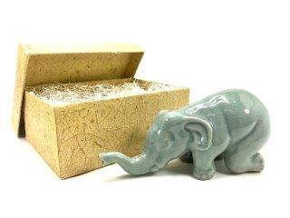 箱入り象の置物