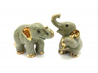 小さな象の置物
