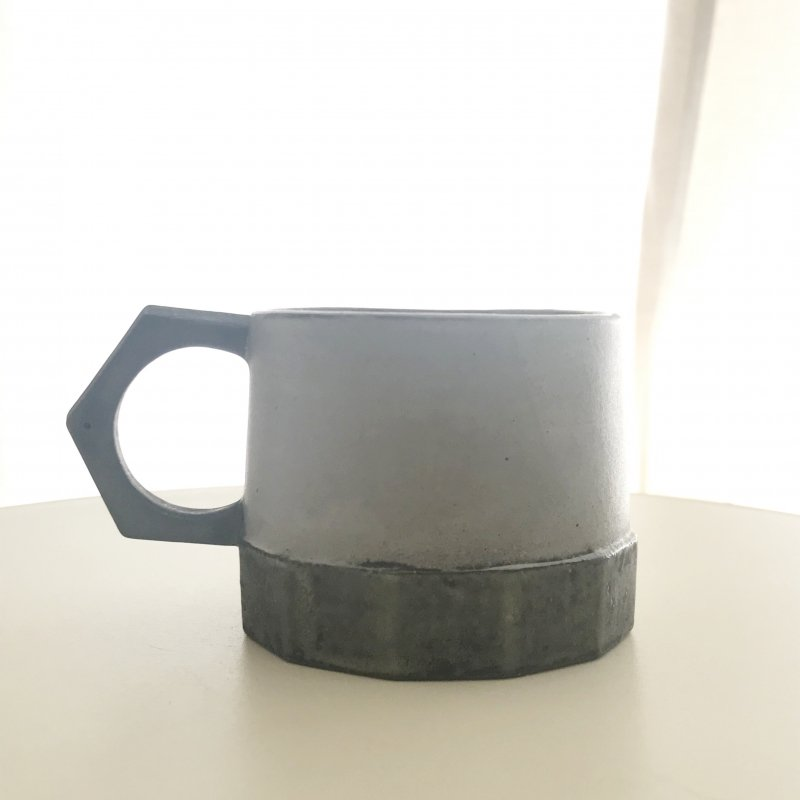 片瀬和宏 マグカップ グレー1