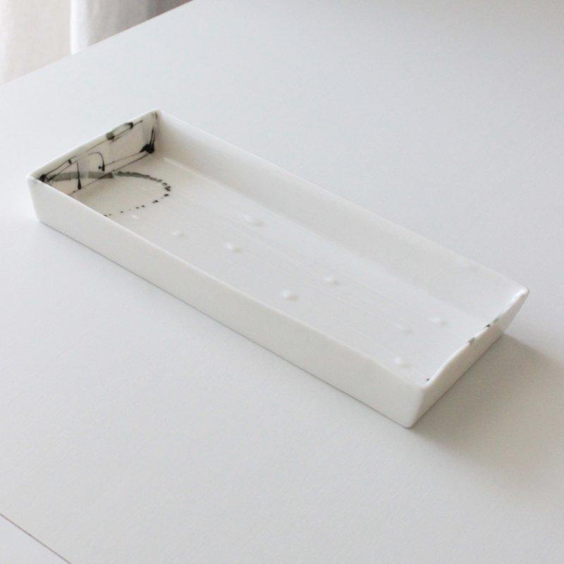 ヘスアルド フェルナンデス-ブラボ 長方プレート ホワイト
