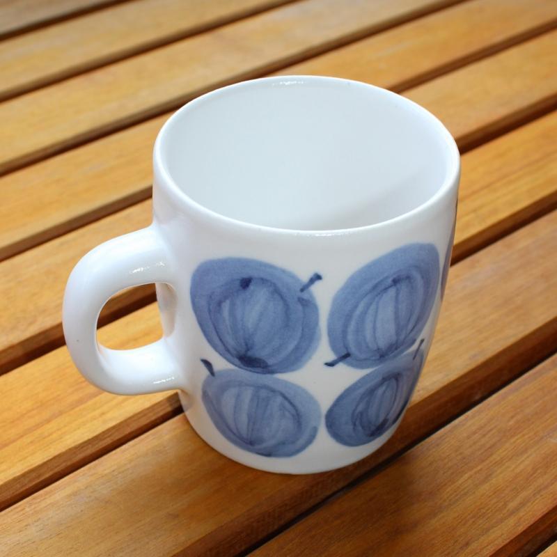 稲葉周子 チェリートマトマグカップ ホワイトxブルー